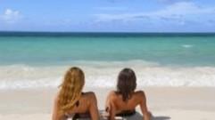 les-francaise-aiment-se-dorer-la-pilule-au-soleil-10725101hpmit_2084
